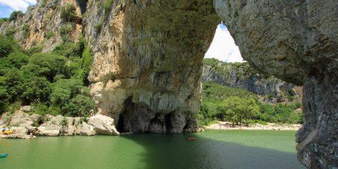 Grottes intérieures du Pont d'Arc