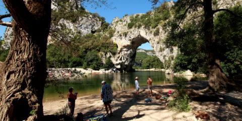 Pont d'Arc aval 1