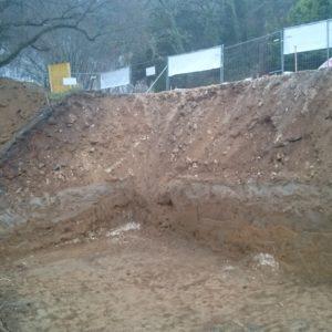 Futur bâtiment des toilettes enterré